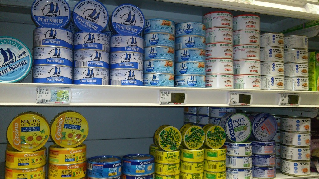 Greenpeace slams french tuna brands for reliance on fads for Tuna fish brands